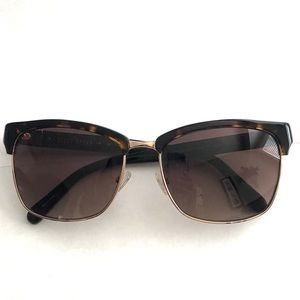 Bobbi Brown Tortoise Shell Sunglasses